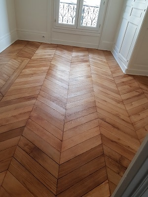 renovateur parquet good comment entretenir un parquet vitrifi with renovateur parquet latest. Black Bedroom Furniture Sets. Home Design Ideas